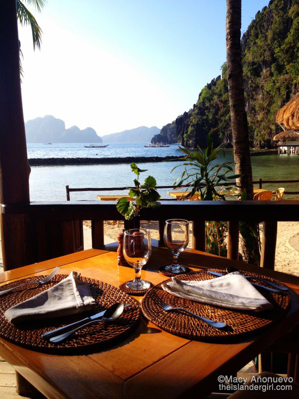 Breakfast for two at the Miniloc Island Resort clubhouse (Miniloc Island, El Nido)